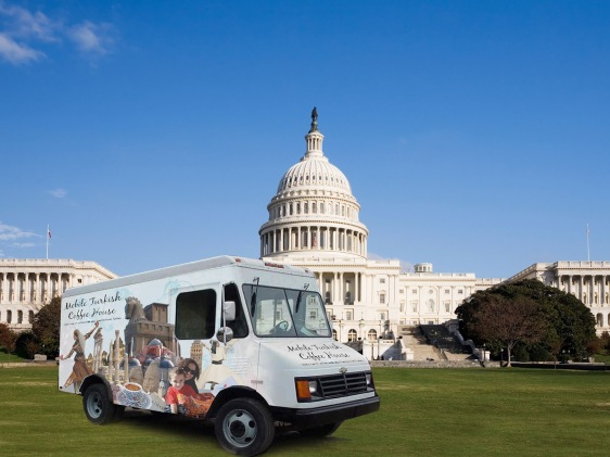 coffee-truck-in-front-of-the-capitol-building